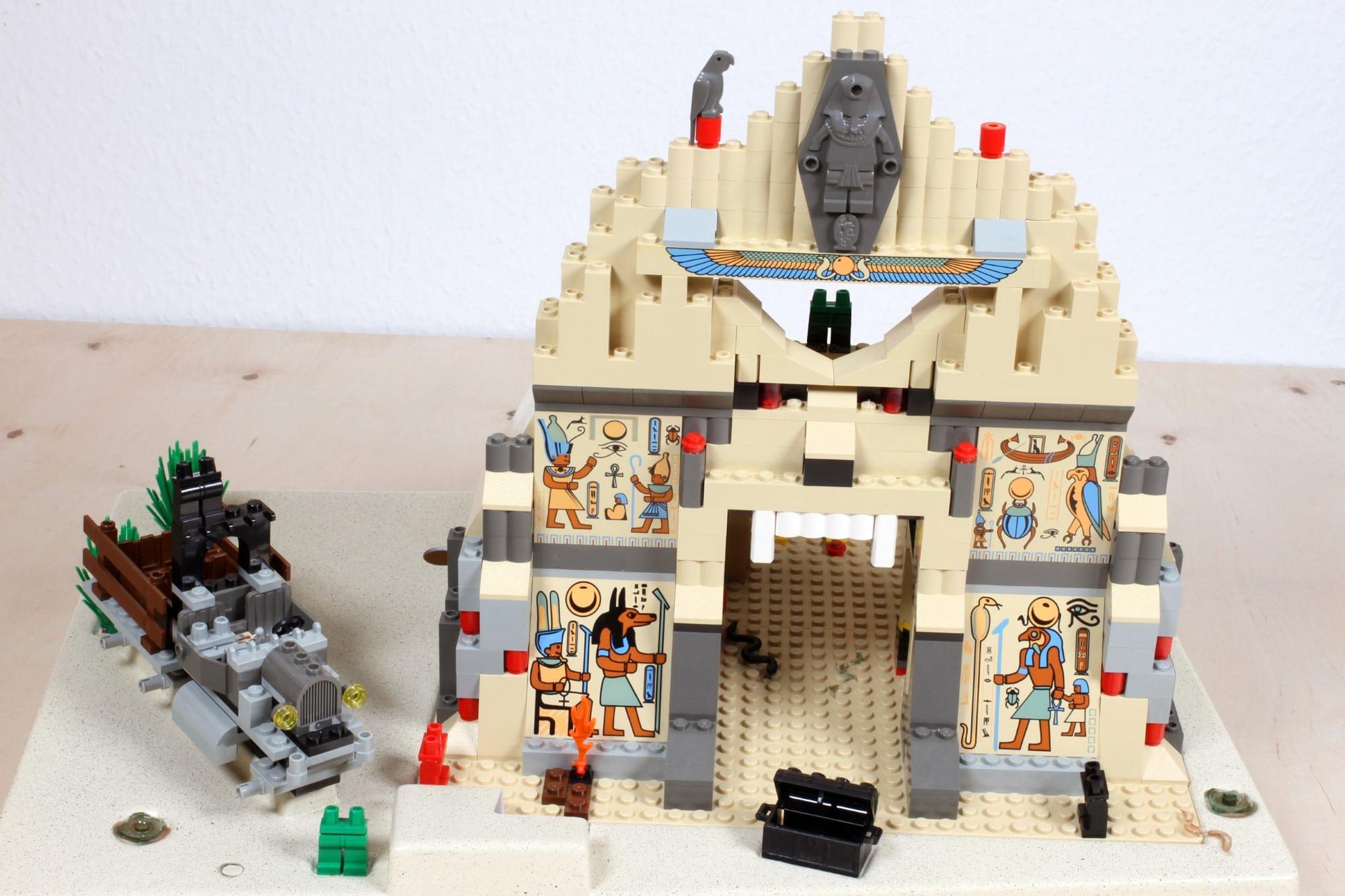 LEGO Adventurers Display Istzustand Vor Restaurierung