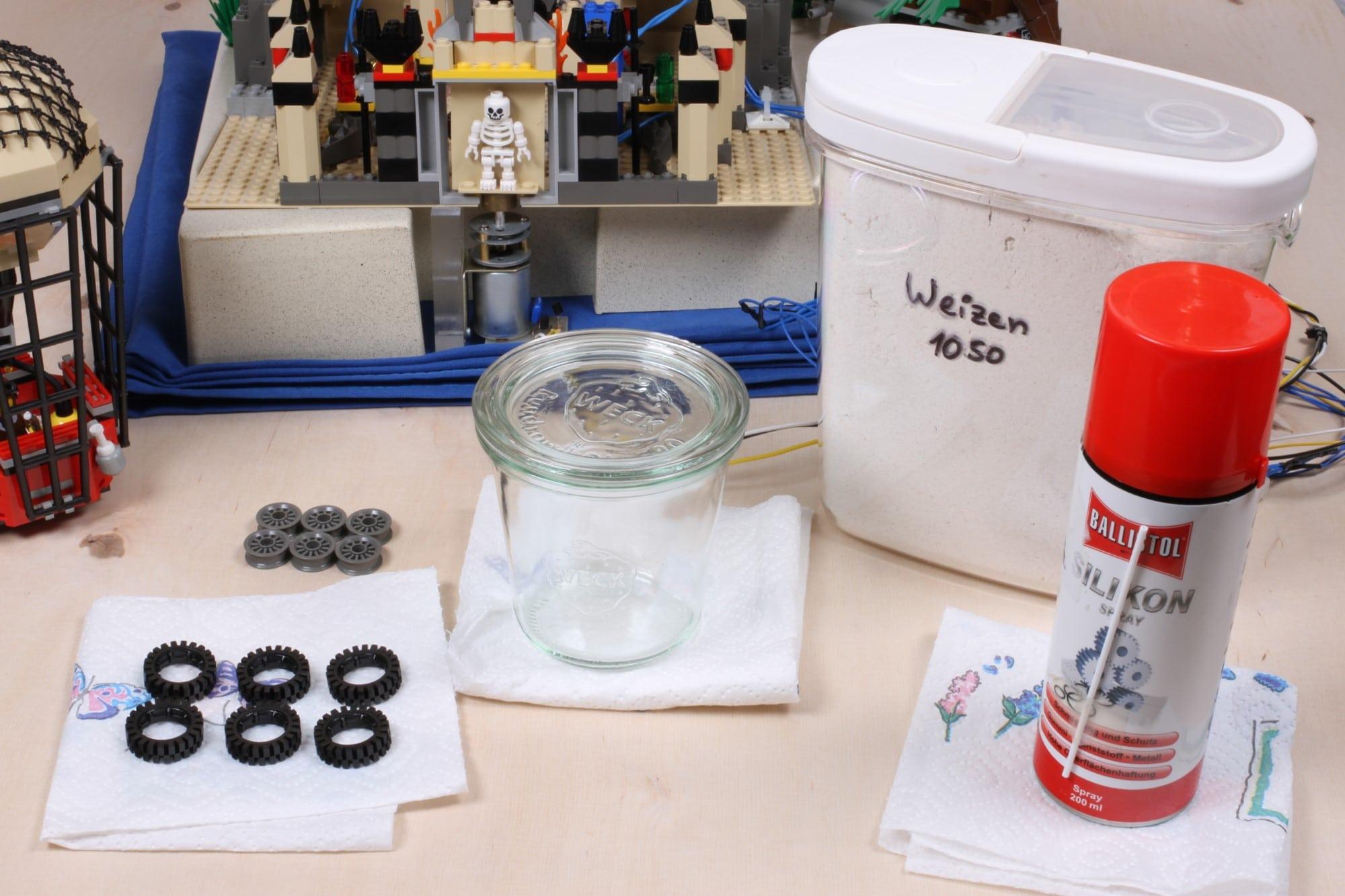 LEGO Adventurers Display Zusammenbau Reifen Behandeln