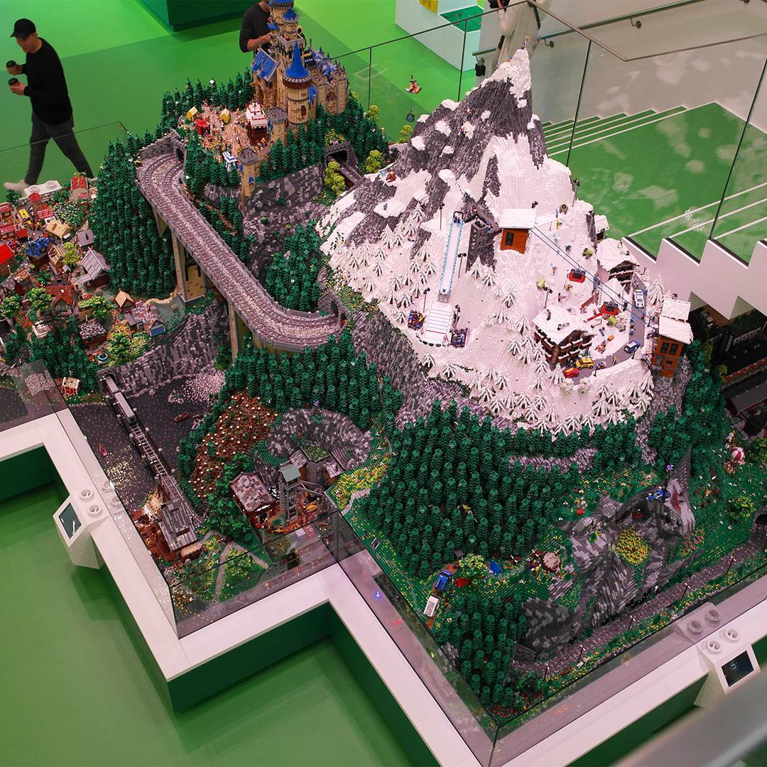 LEGO House World Explorer