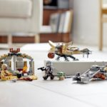 LEGO Star Wars 75299 Trouble On Tatooine 12