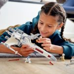 LEGO Star Wars 75301 X Wing 1