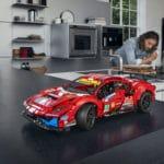 LEGO Technic 42125 Ferrari (7)