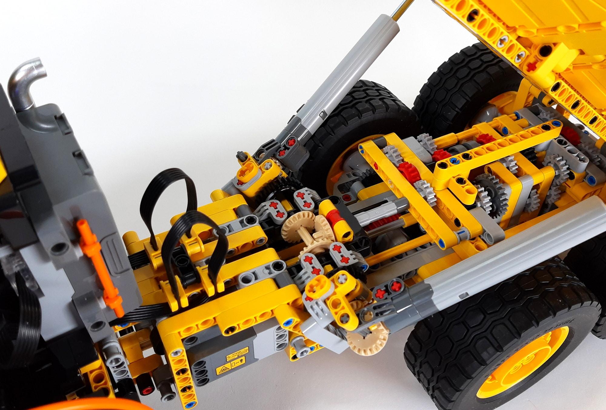 LEGO 42114 Knickgelenkter Volvo Dumper 02