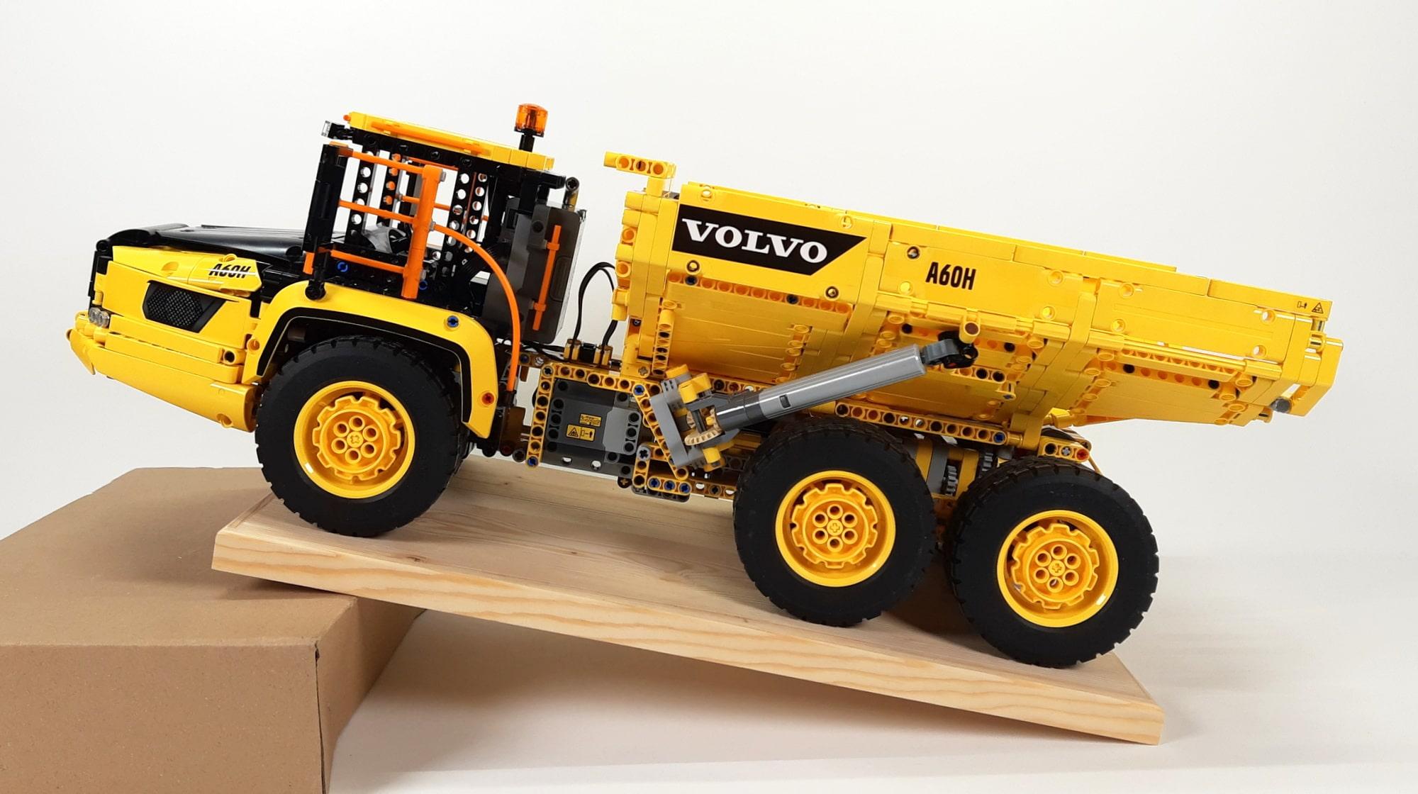LEGO 42114 Knickgelenkter Volvo Dumper Schräge01