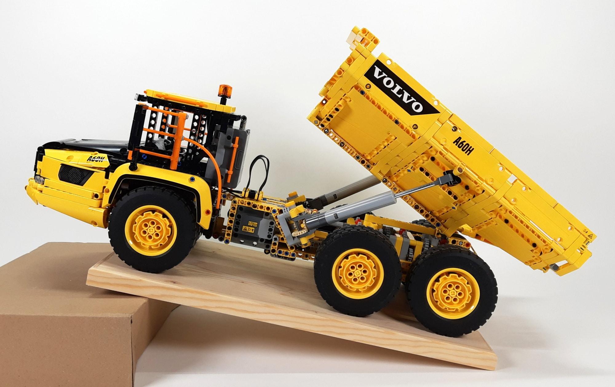 LEGO 42114 Knickgelenkter Volvo Dumper Schräge02