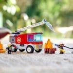 LEGO City 60280 Feuerwehrauto Mit Leiter (11)