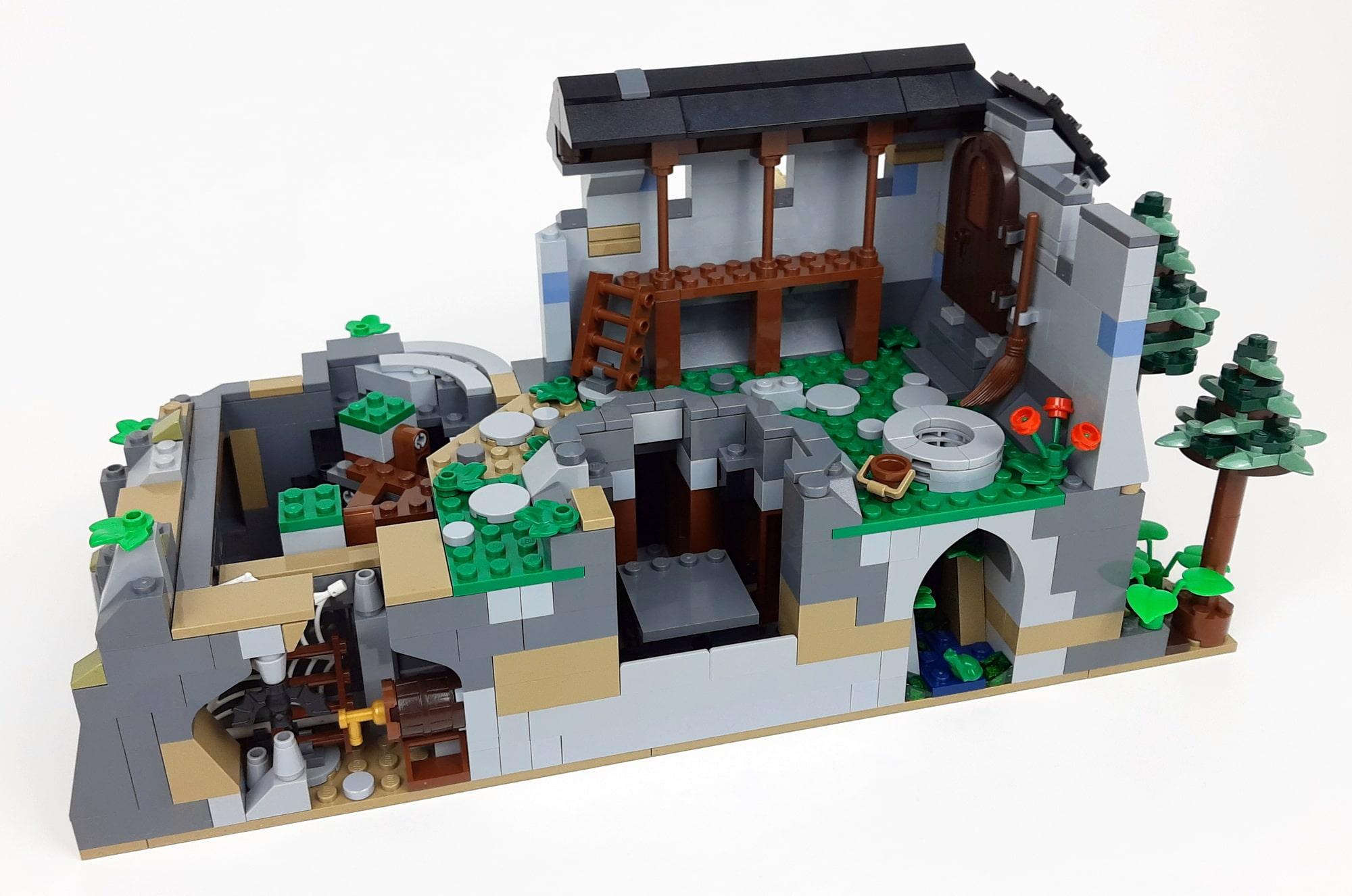 Bl19001 Castle Löwenstein Official Expansion Anpassungen Am Felsen 02