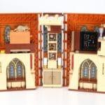 LEGO Harry Potter 76382 Hogwarts Moment Verwandlungsunterricht Aufgeklappt 1