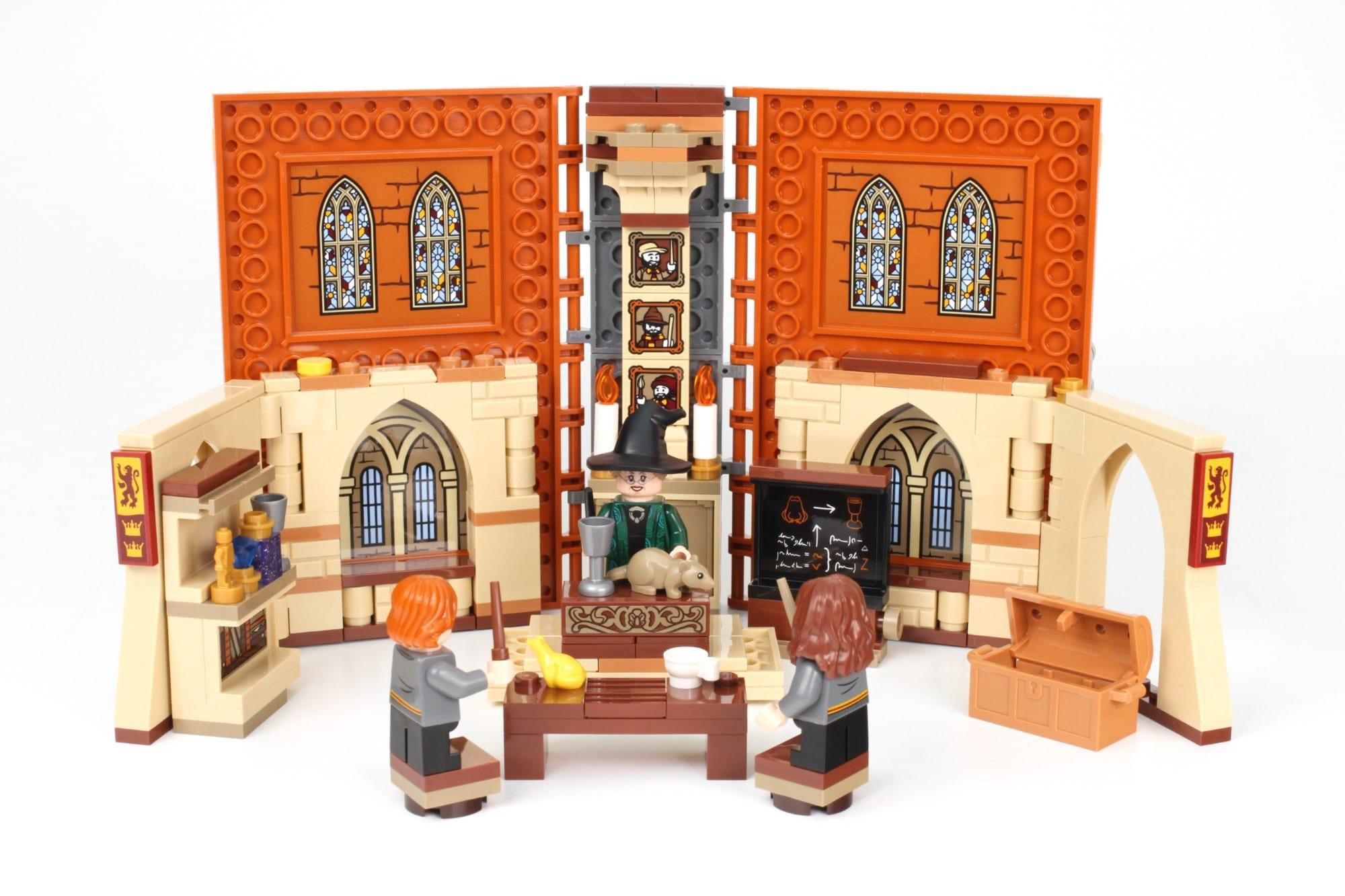 LEGO Harry Potter 76382 Hogwarts Moment Verwandlungsunterricht Aufgeklappt 2