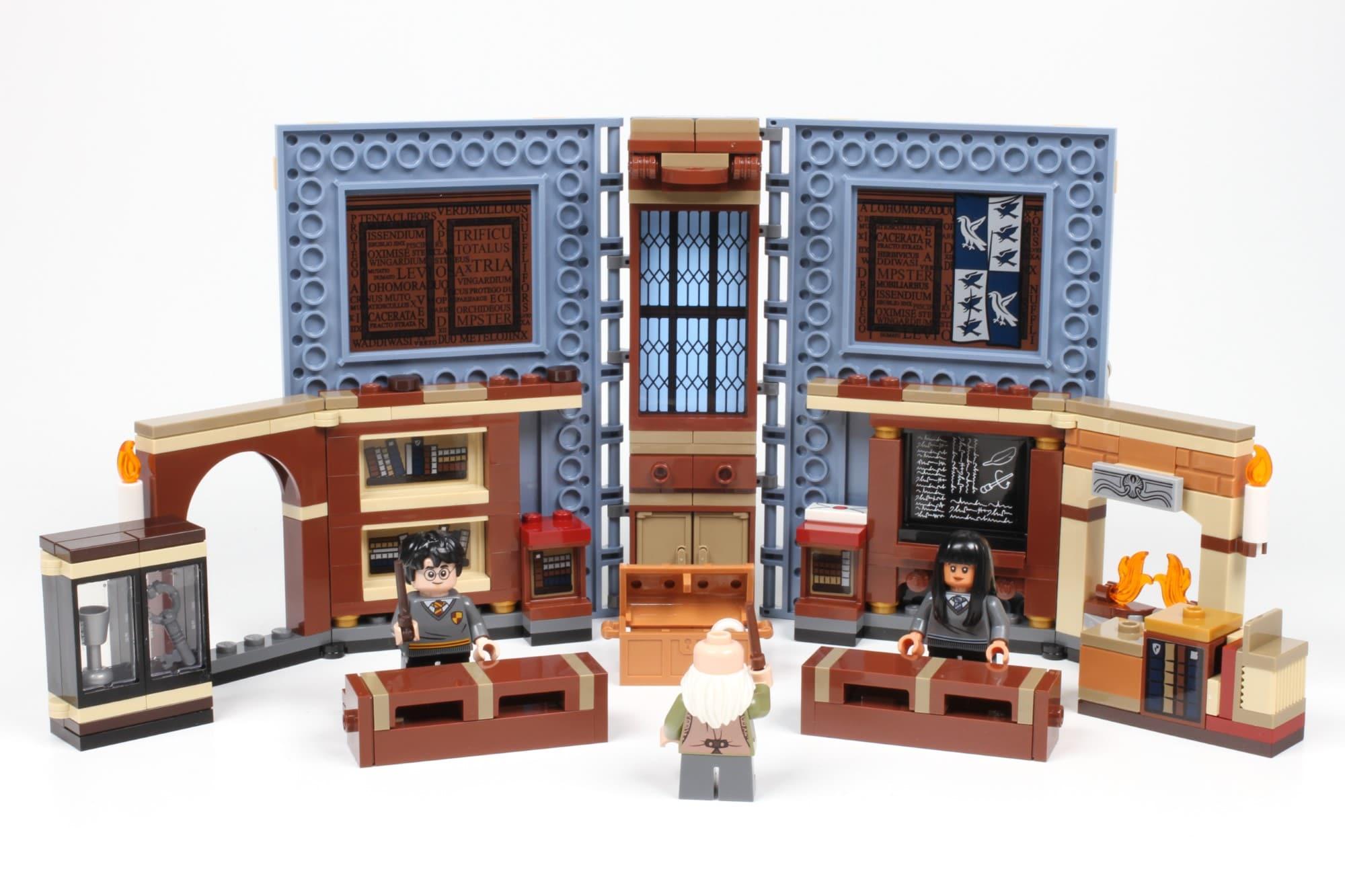 LEGO Harry Potter 76385 Hogwarts Moment Zauberkunstunterricht Buch Aufgeklappt 2