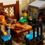 LEGO Ideas 21325 Medieval Blacksmith (13)
