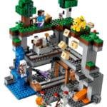 LEGO Minecraft 21169 Das Erste Abenteuer 8