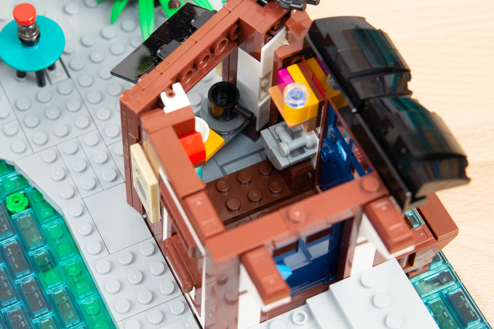 LEGO 71741 Ninjago City Gardens 10