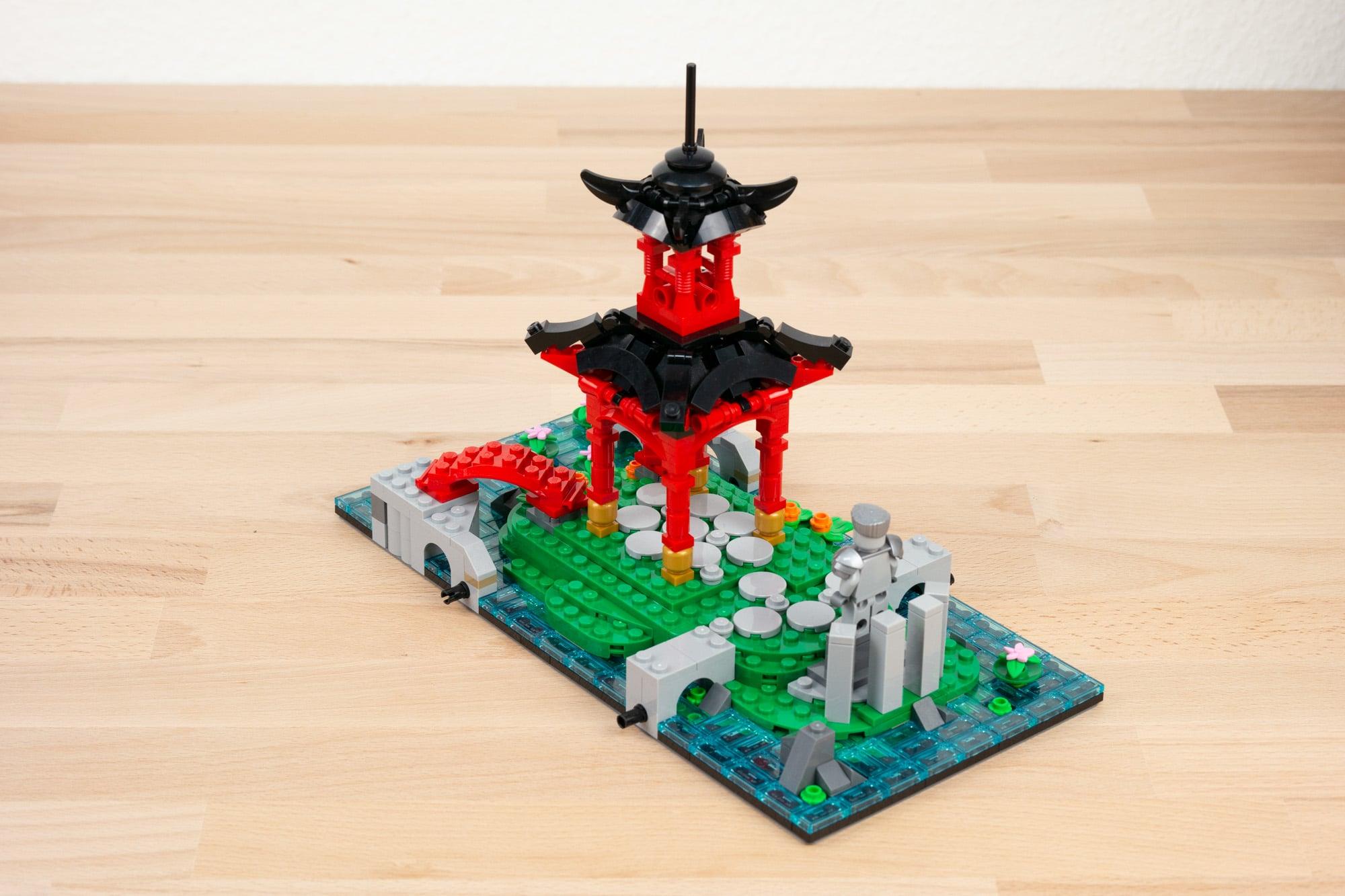 LEGO 71741 Ninjago City Gardens 19