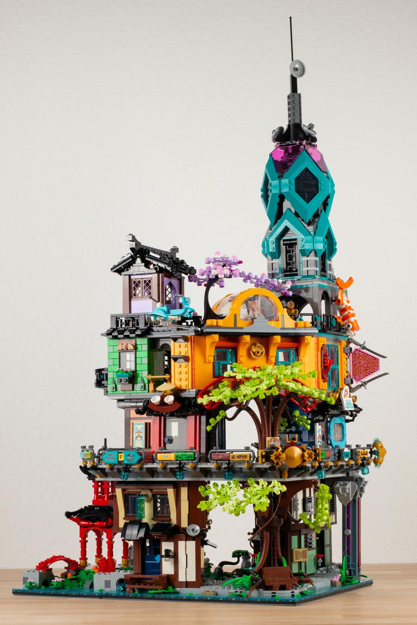 LEGO 71741 Ninjago City Gardens 25