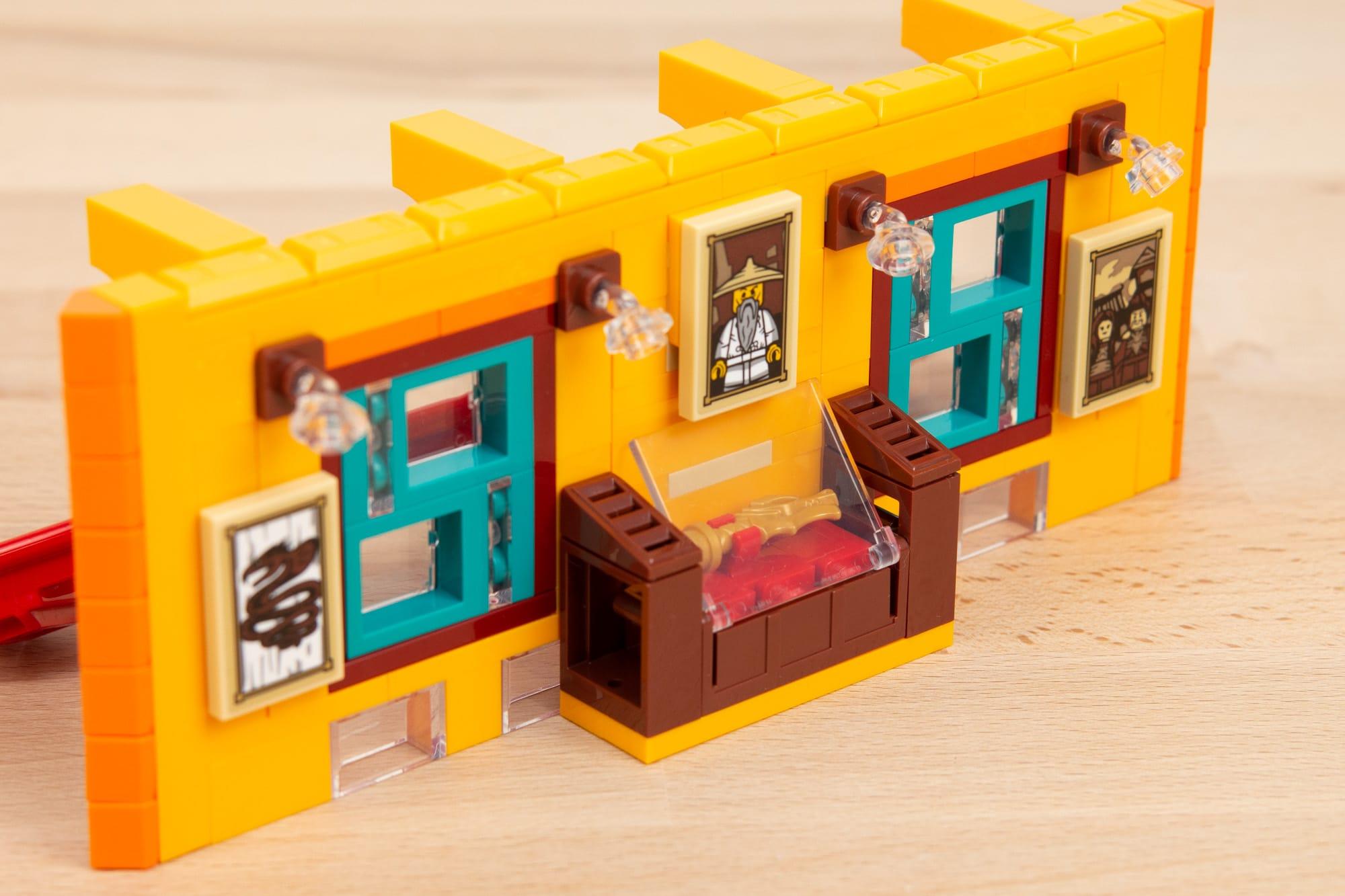LEGO 71741 Ninjago City Gardens 4
