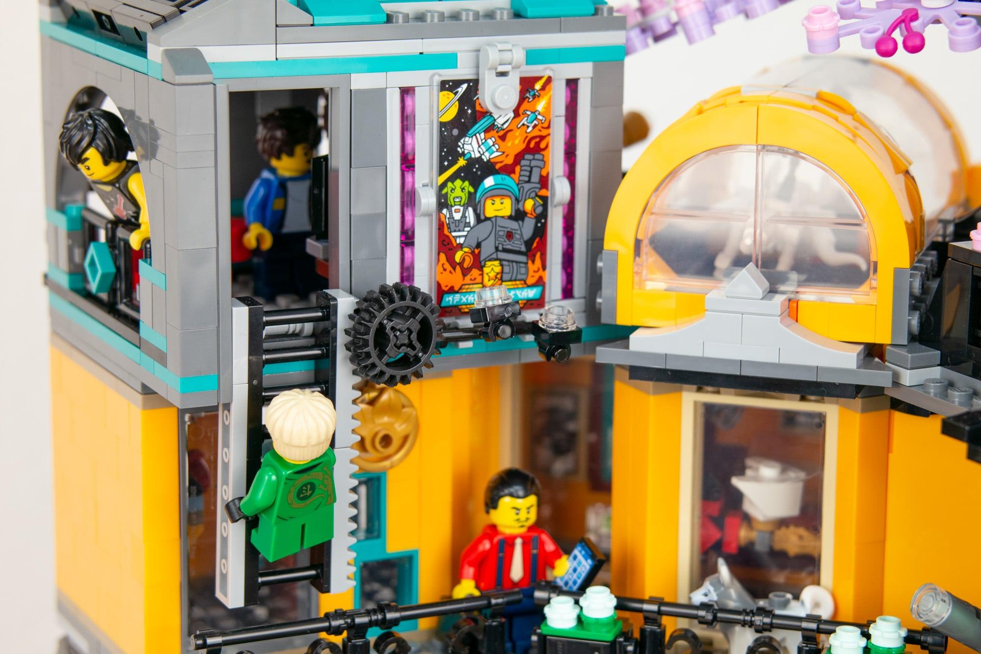LEGO 71741 Ninjago City Gardens 46