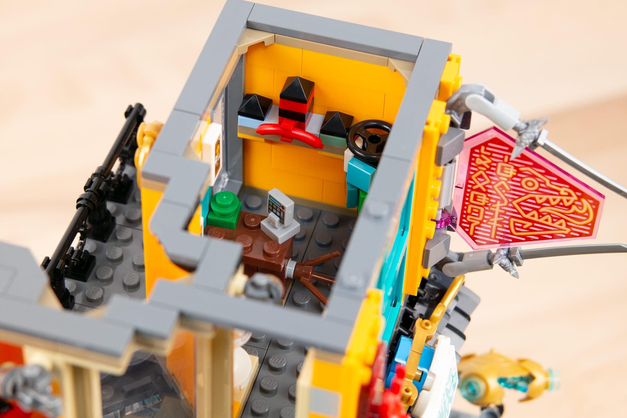 LEGO 71741 Ninjago City Gardens (50 Von 65)