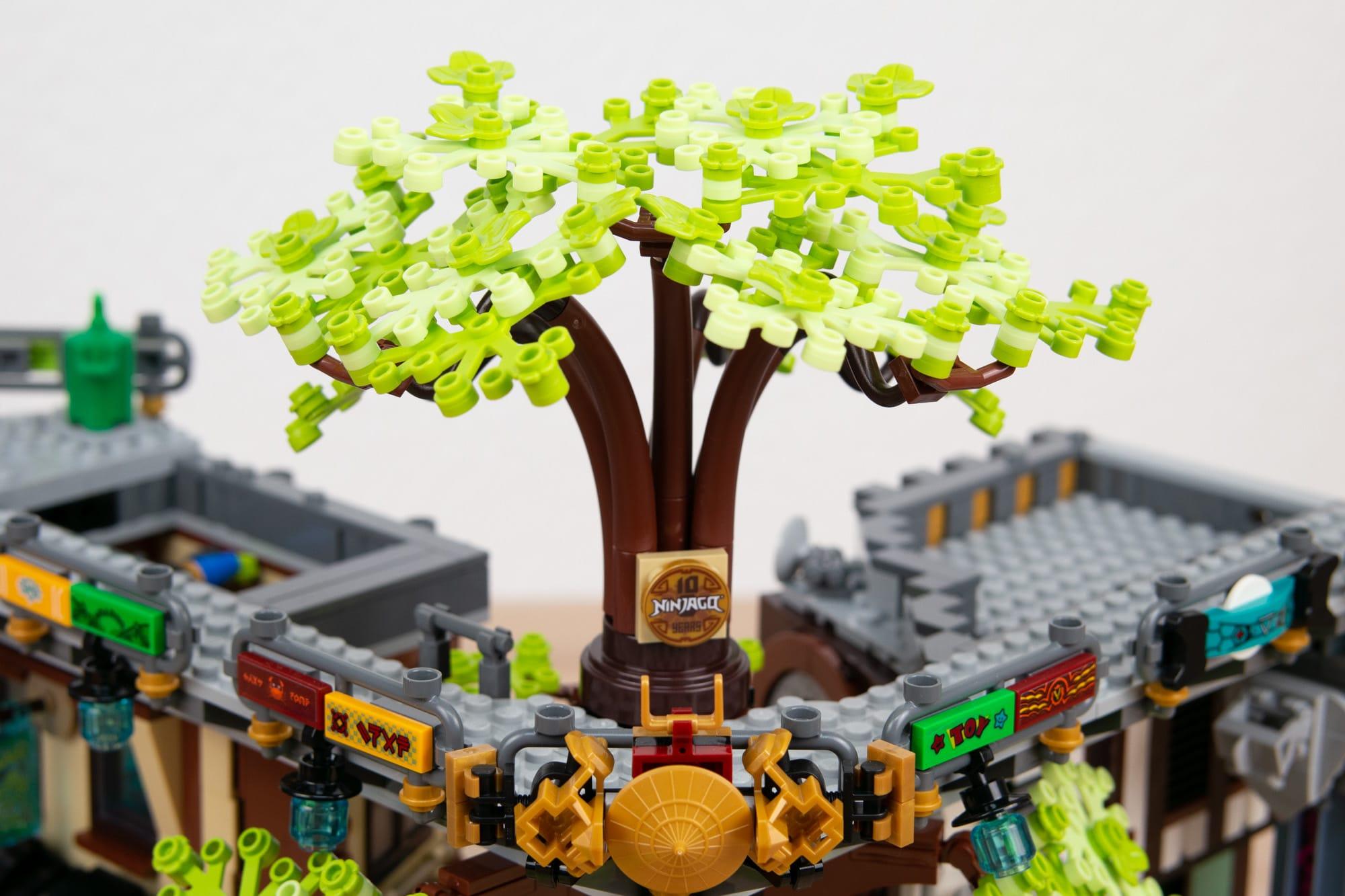LEGO 71741 Ninjago City Gardens (62 Von 65)