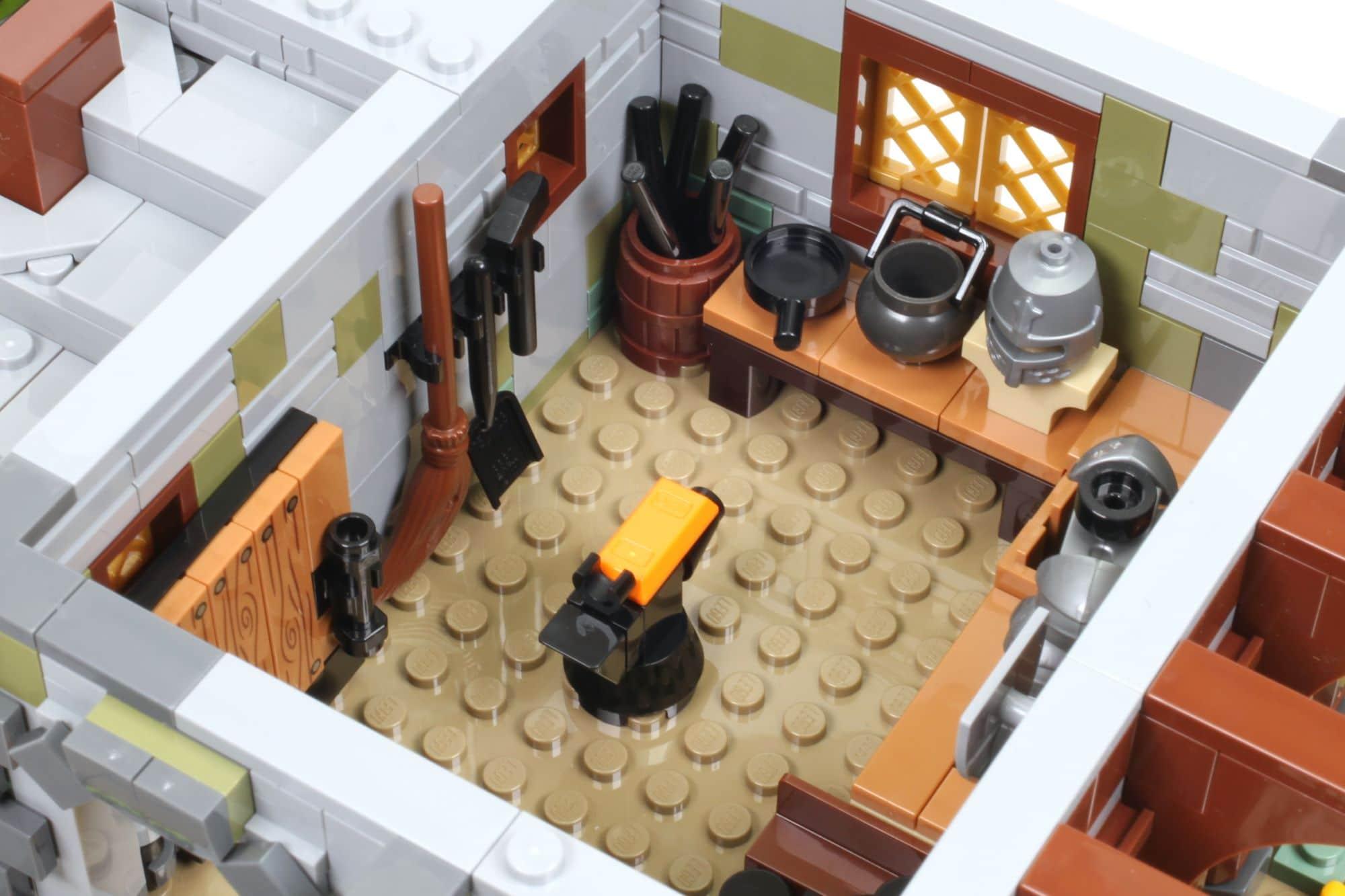 LEGO Ideas 21325 Mittelalterliche Schmiede Bauabschnitt 4 3