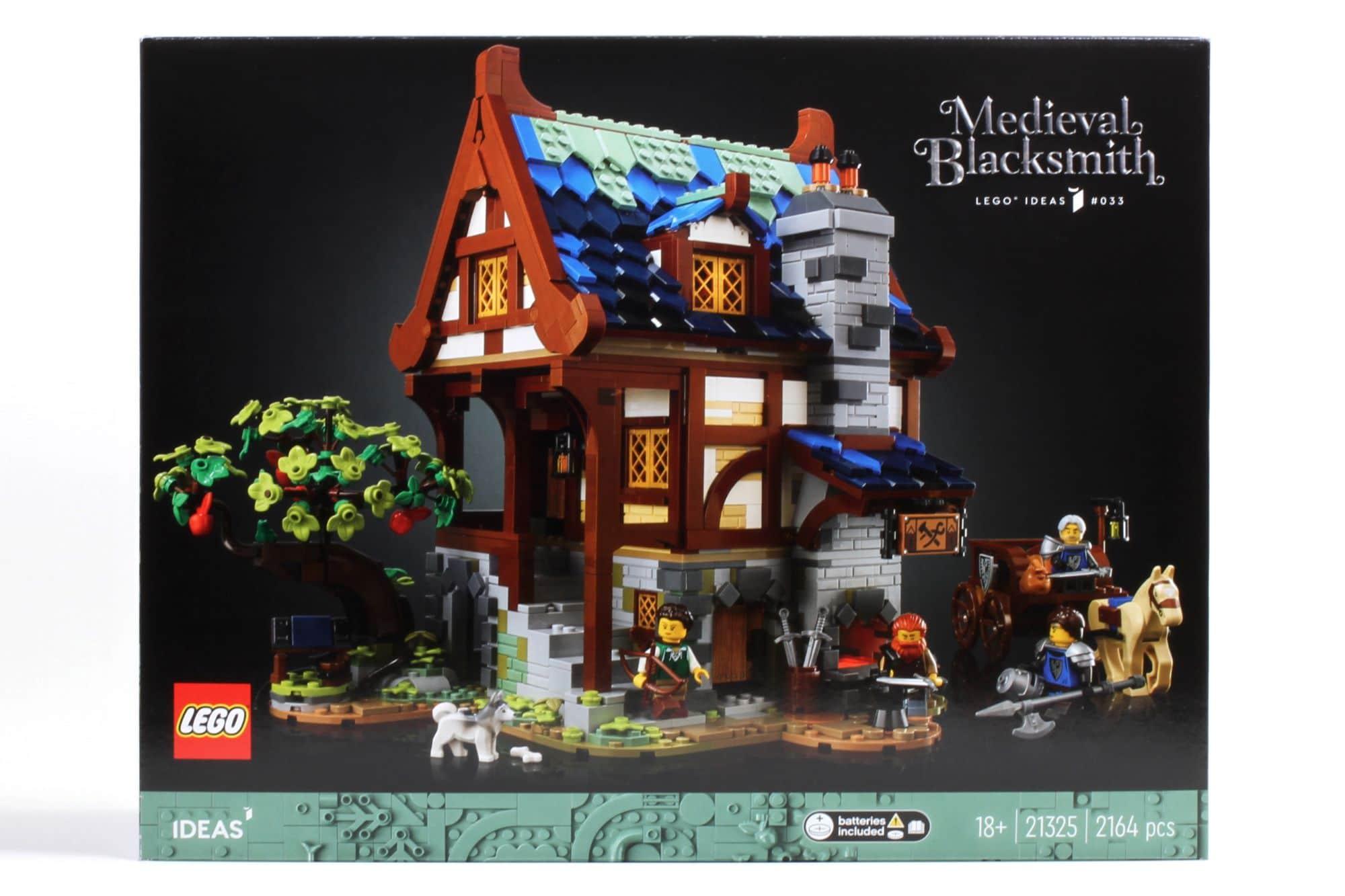 LEGO Ideas 21325 Mittelalterliche Schmiede Box 1