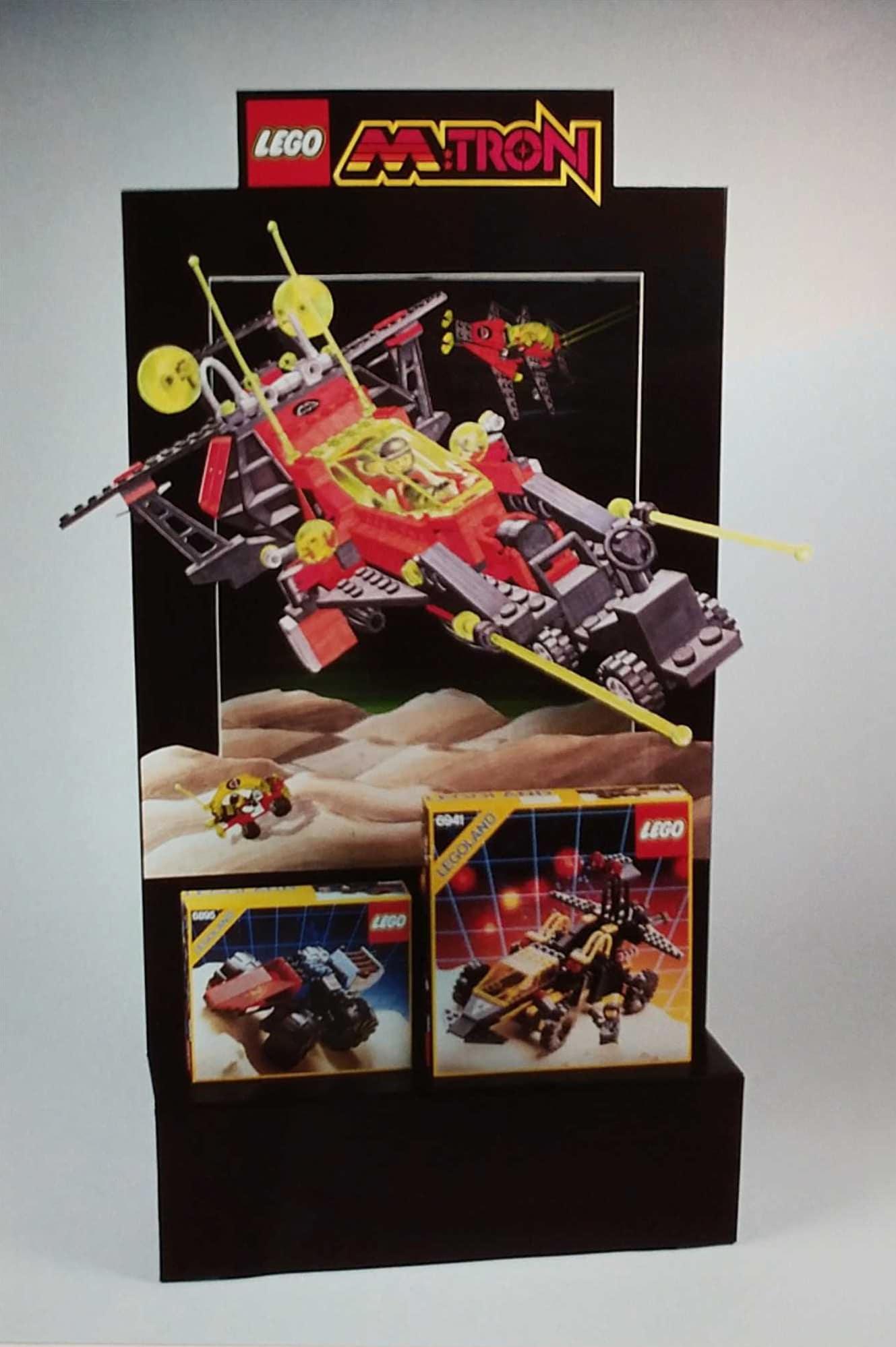 LEGO M Tron Shopdisplay
