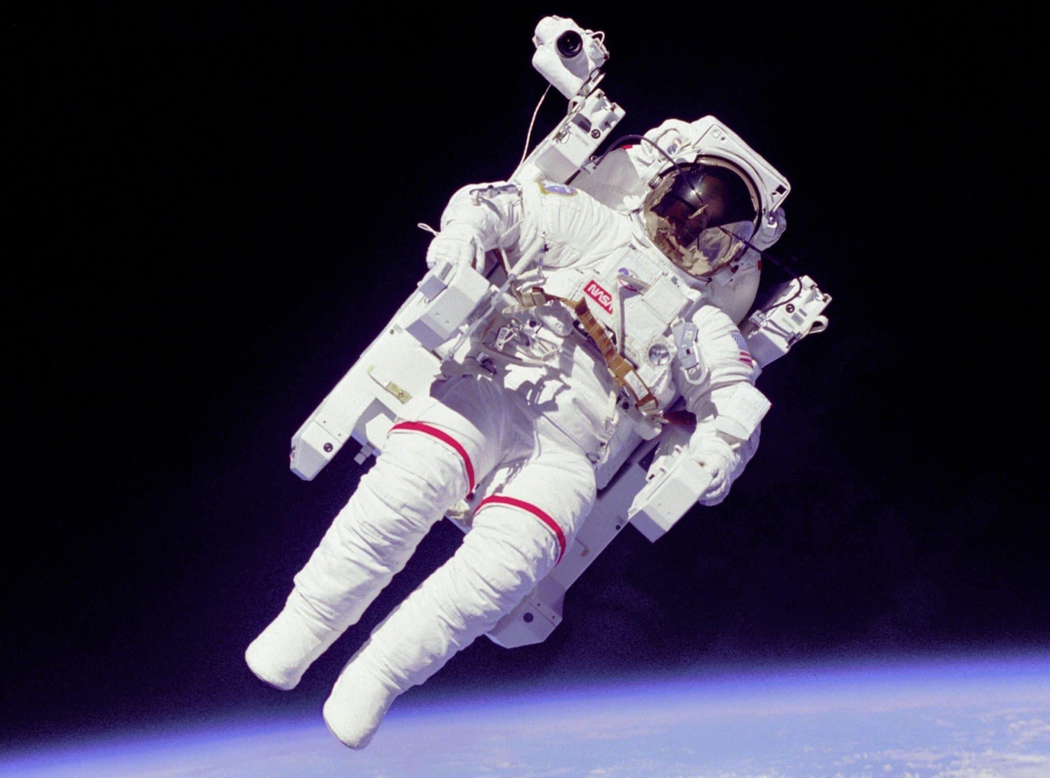 LEGO Ideas LEGO Astronaut (11) 2 Test
