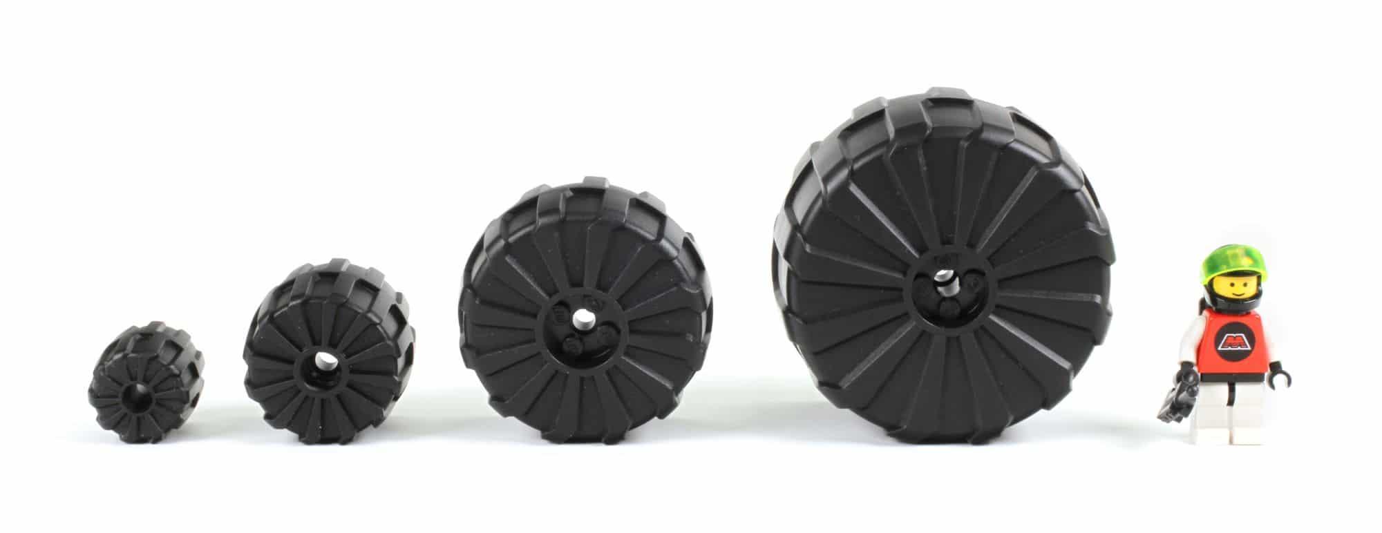 LEGO M Tron Größenvergleich Räder