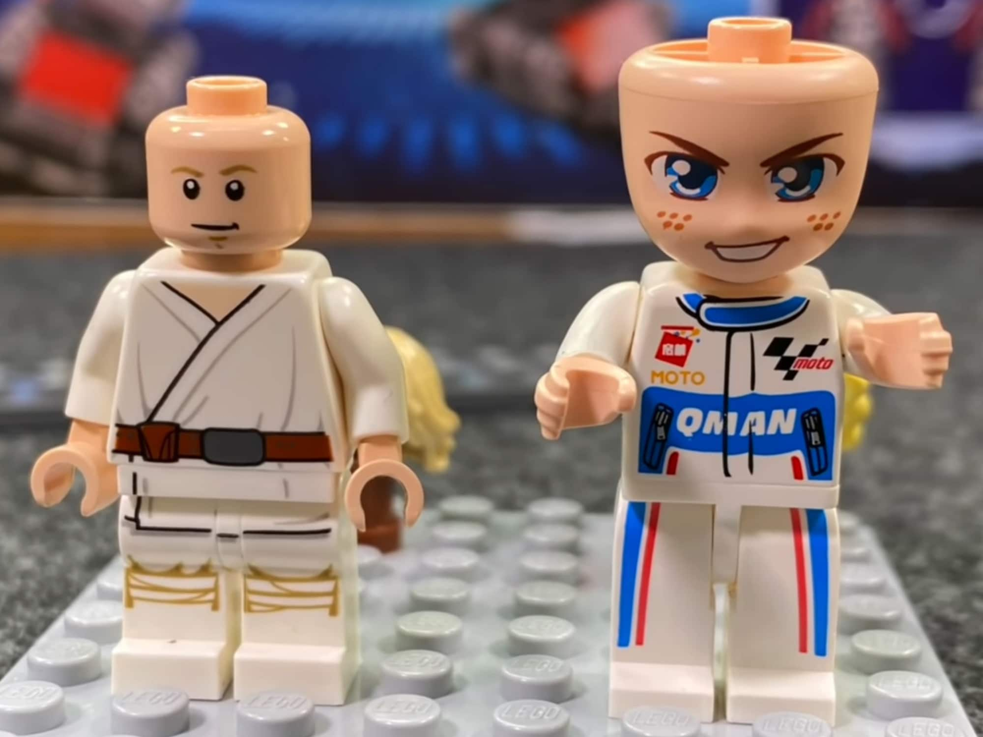 Vergleich Minifiguren LEGO Qman Johnnys World 1
