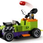 LEGO 76180 10