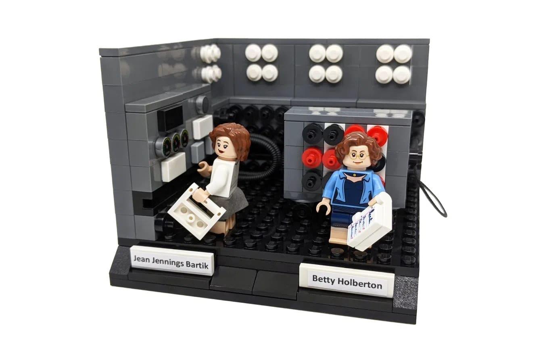 LEGO Ideas Woman Of Computing (4)