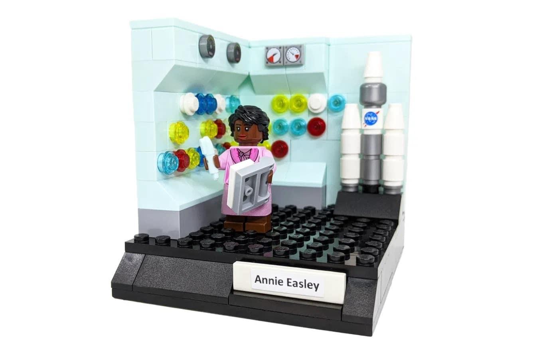 LEGO Ideas Woman Of Computing (7)