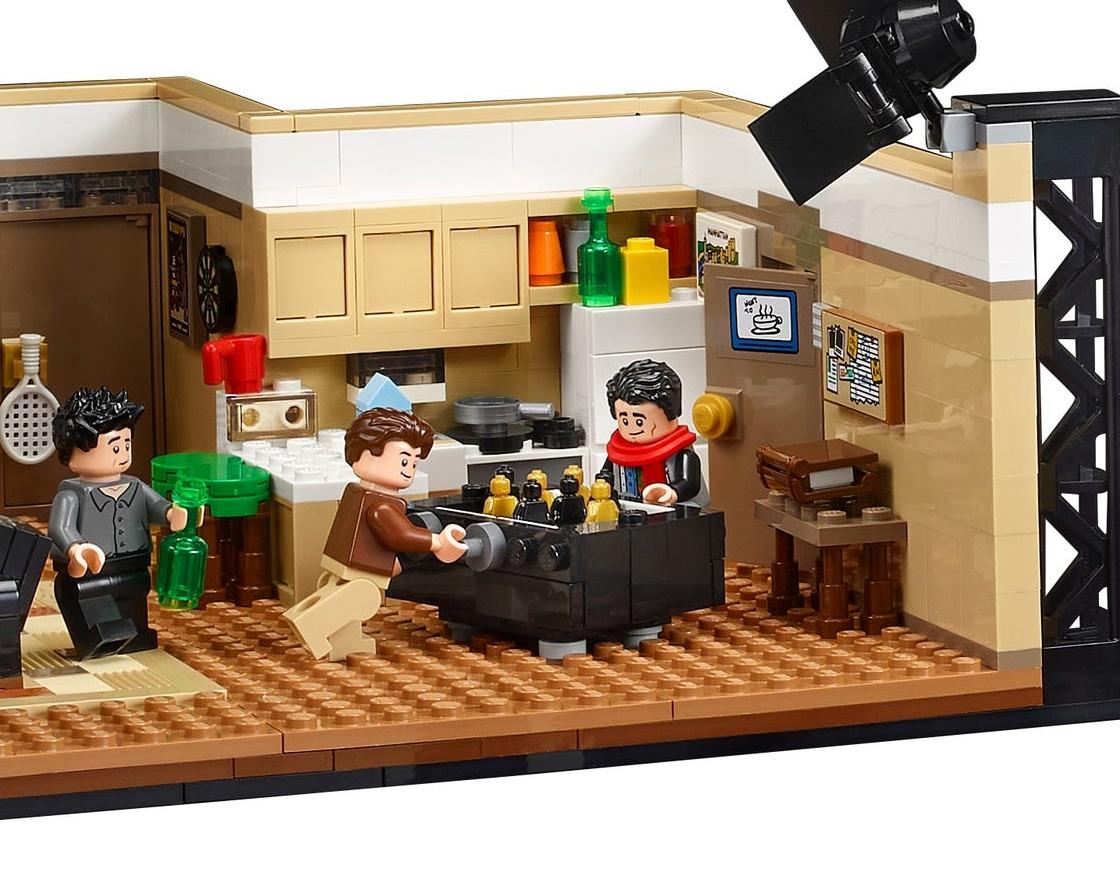 LEGO 10292 Friends Apartments Tischfußball