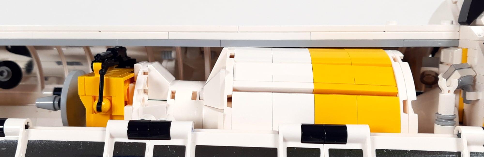 LEGO 5006744 Ulysses Im Shuttle 2