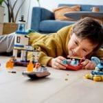 LEGO City 60308 Polizei Und Feuerwehr Im Küsteneinsatz 10