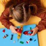 LEGO Disney 10772 Mickys Propellerflugzeug 8