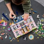 LEGO Friends 41684 Heartlake City Hotel 22