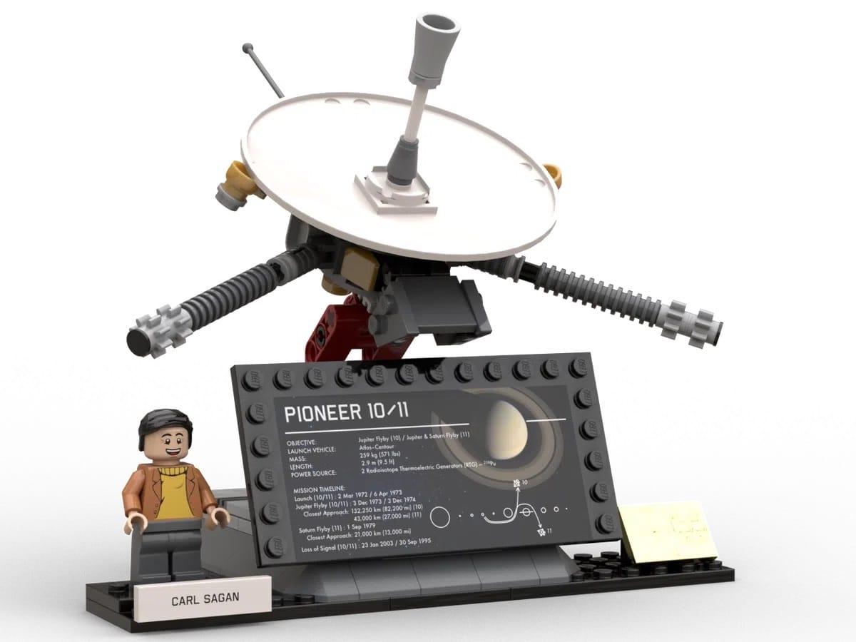 LEGO Ideas Outer Solar Systems Explorer (7)