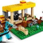 LEGO Minecraft 21171 Der Pferdestall 3