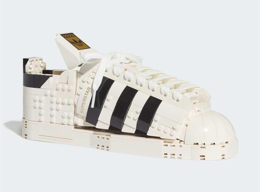 LEGO 10282 Adidas Superstar Slider 01