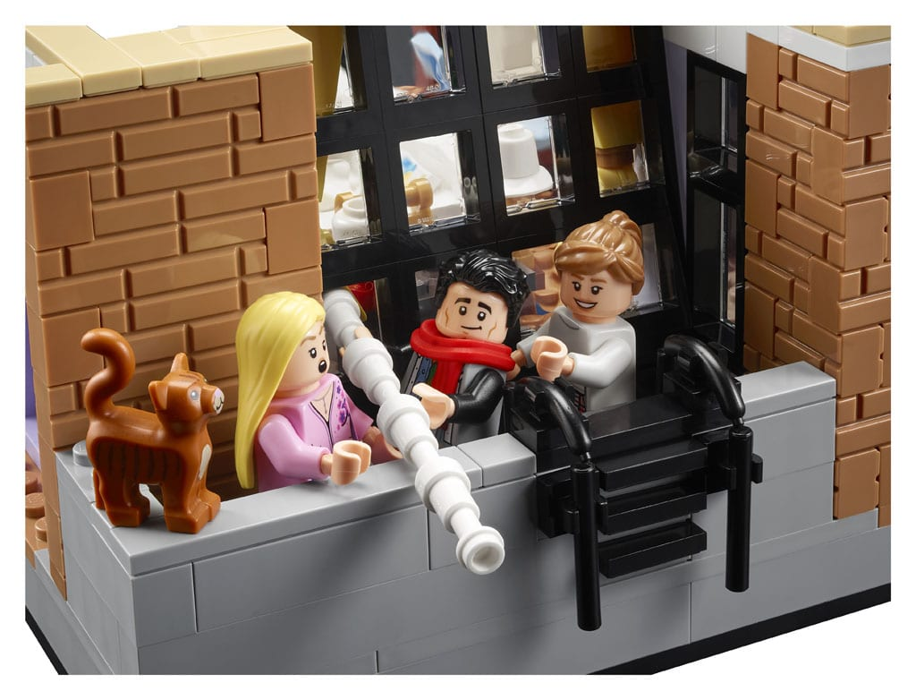 LEGO 10292 Friends Apartments 7
