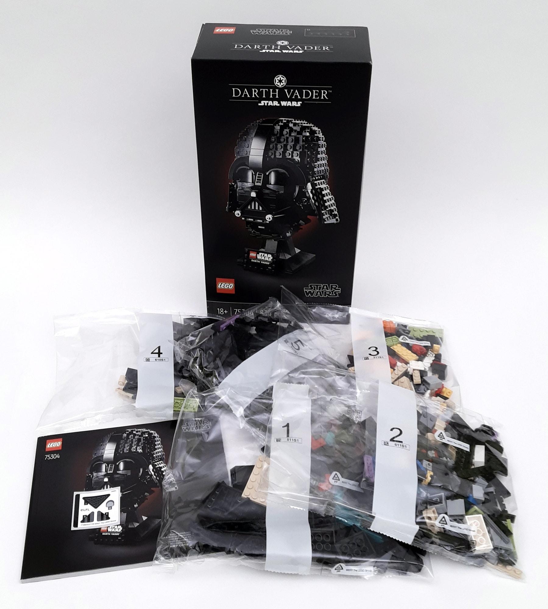 LEGO 75304 Darth Vader Helm Box Inhalt