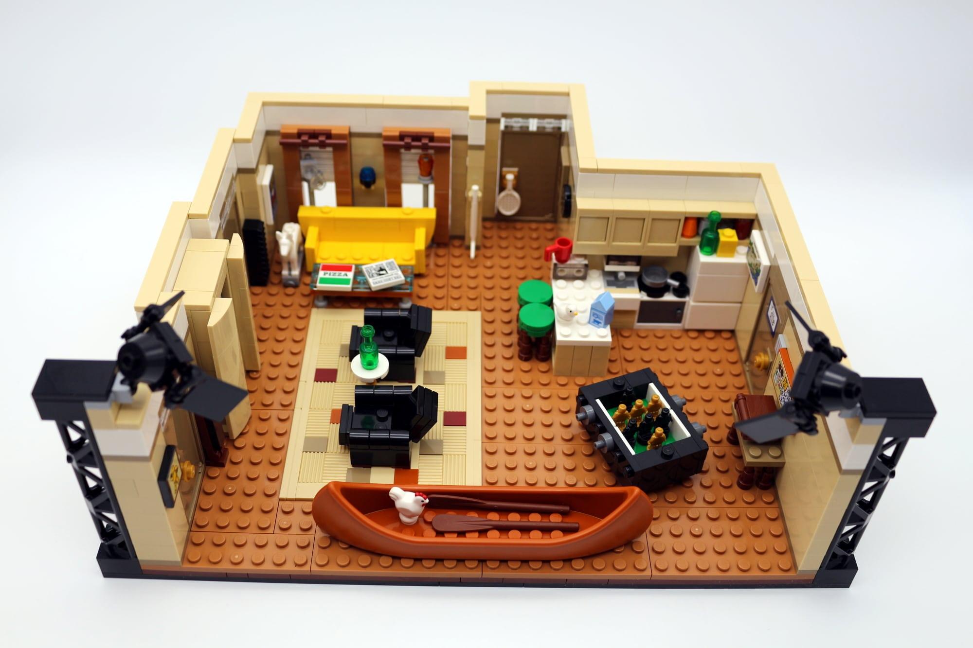 LEGO Friends 10292 The Friends Apartments 23