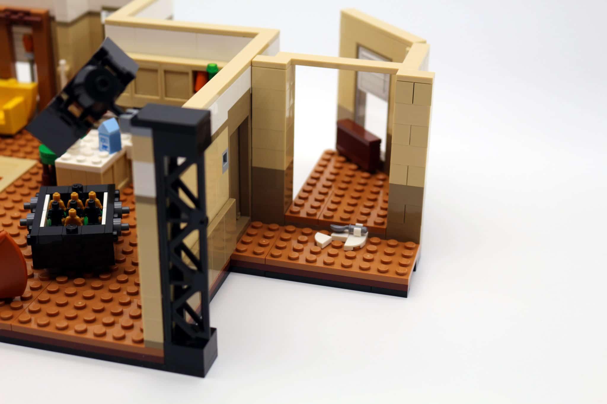 LEGO Friends 10292 The Friends Apartments 26