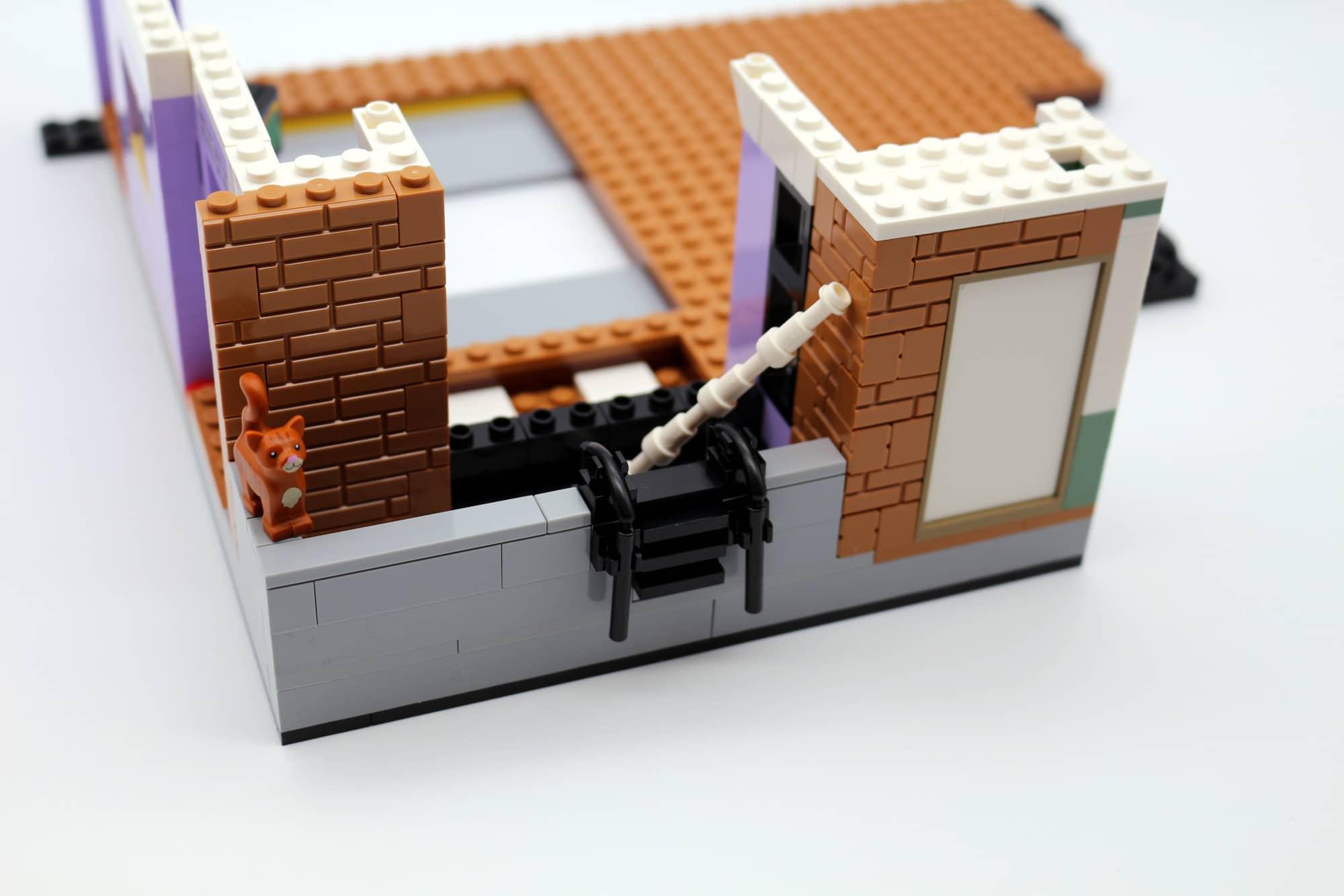 LEGO Friends 10292 The Friends Apartments 36