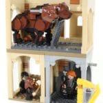 LEGO Harry Potter 76387 Hogwarts Begegnung Mit Fluffy (4)