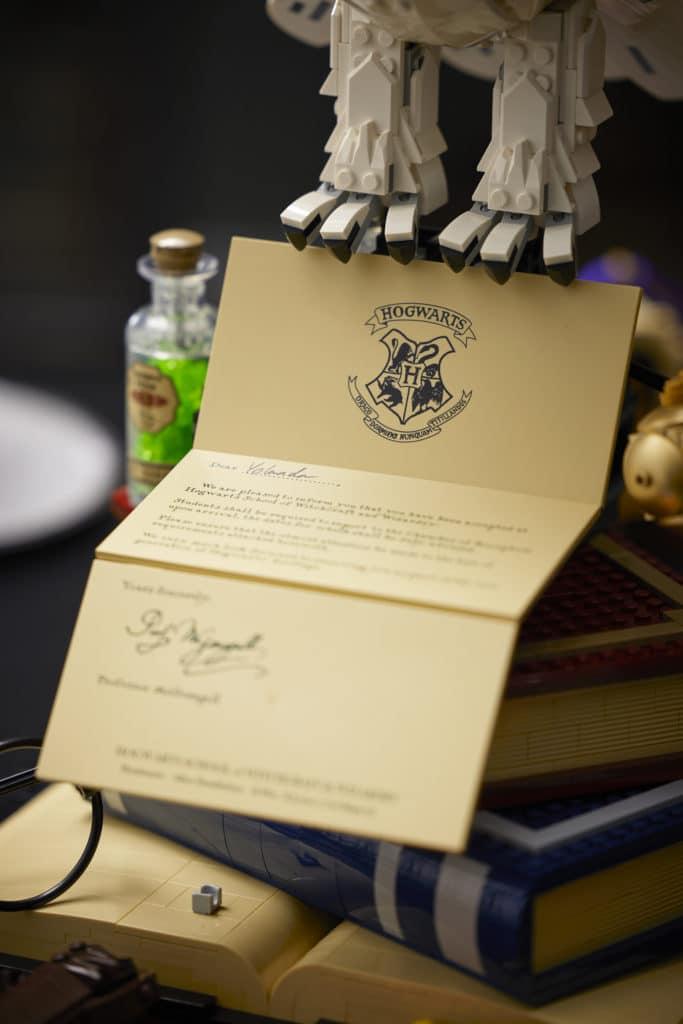 LEGO Harry Potter 76391 Hogwarts Icons Lifestyle Bilder (16)