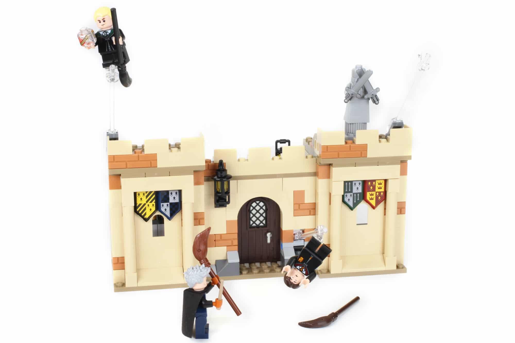 LEGO Harry Potter 76395 Hogwarts Erste Flugstunde (1)