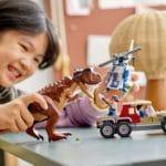 LEGO Jurassic World 76941 Verfolgung Des Carnotaurus 11