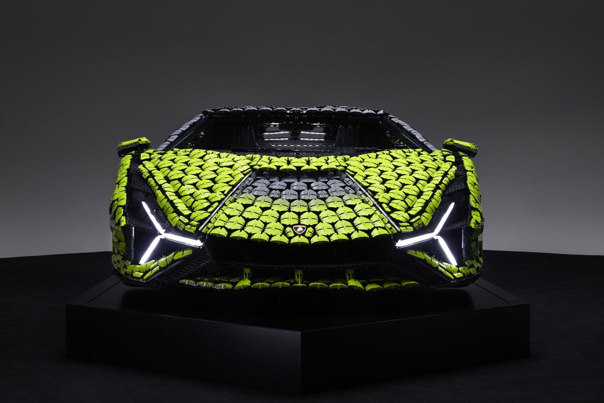 Life Size LEGO Technic Lamborghini Sian Fkp 37 (20)